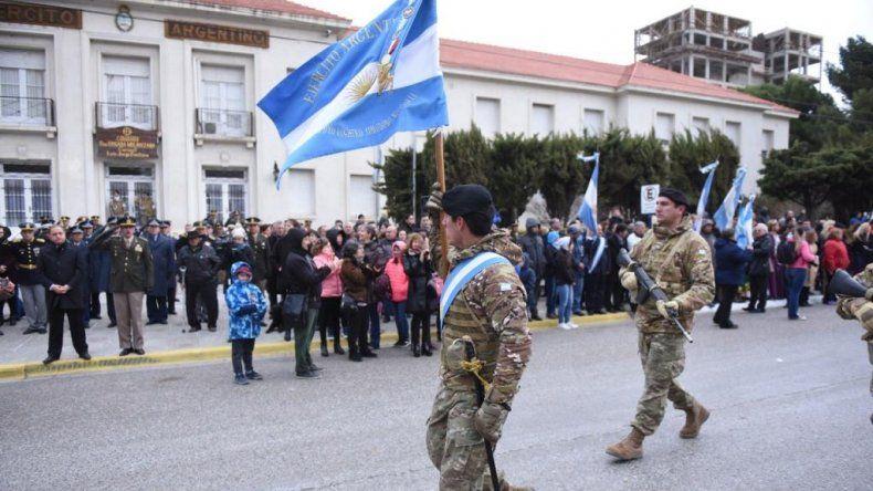 Comodoro evocó el Día de la Bandera