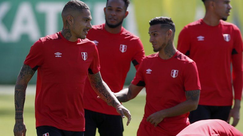 Perú busca un triunfo ante Francia