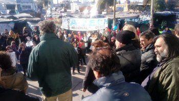 Baradel llegó a Chubut para apoyar la toma del Ministerio de Educación