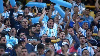 tres hinchas argentinos heridos en rusia