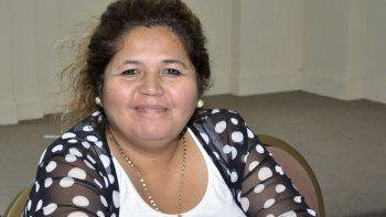 Antes de que el juez defina si la imputa por algún delito, Leticia Huichaqueo deja el Gobierno provincial.