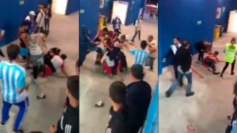 Brutal golpiza de hinchas argentinos a croatas en Nizhni