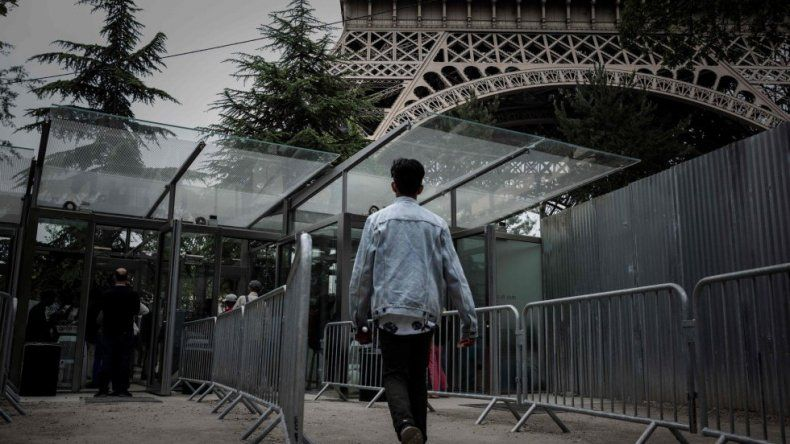 Torre Eiffel, blindada con muro de cristal