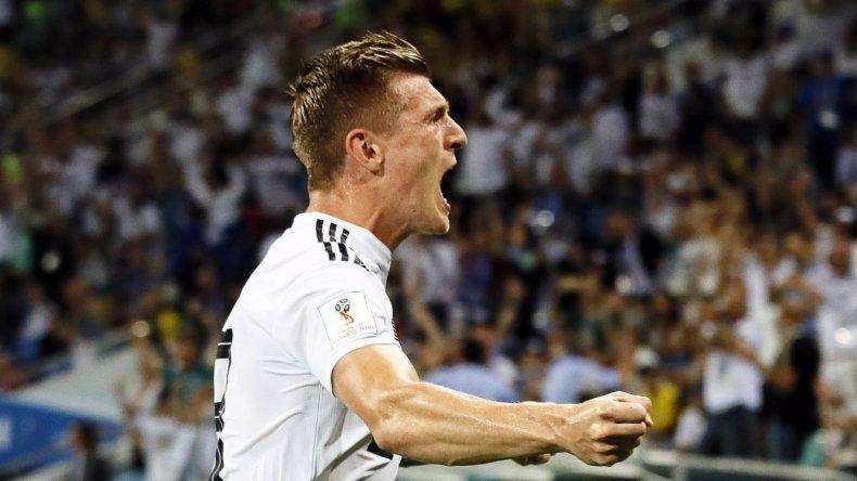 Toni Kroos festeja su gol agónico.
