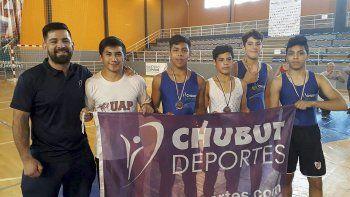 La delegación chubutense de lucha obtuvo dos medallas de oro, una de plata y una de bronce en Posadas.