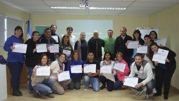 Con la entrega de 23 certificados finalizó el primer ciclo de Formación de Formadores de Emprendedores.