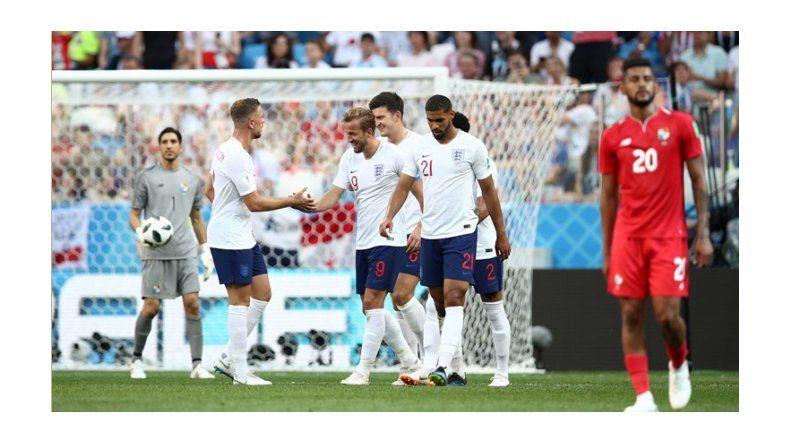 Inglaterra goleó a Panamá y  se clasificó a los Octavos de final