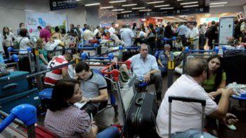 mas de 500 vuelos cancelados por el paro