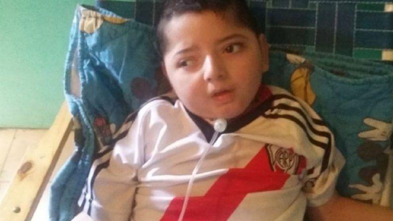 Un nene electrodependiente murió porque le cortaron la luz