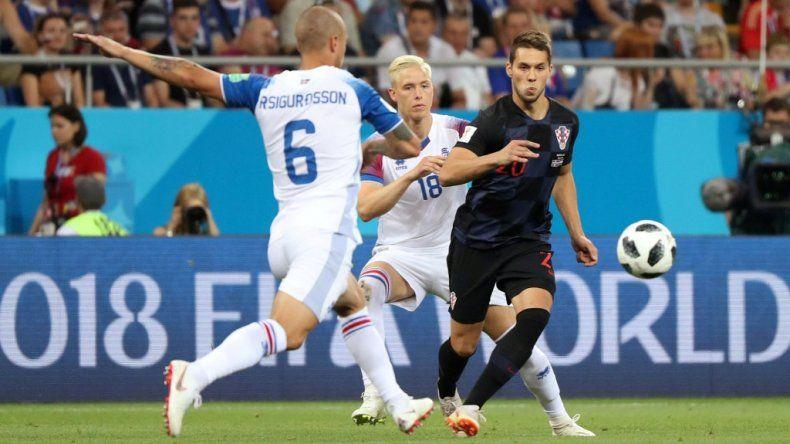 Croacia le ganó a Islandia y clasificó primero