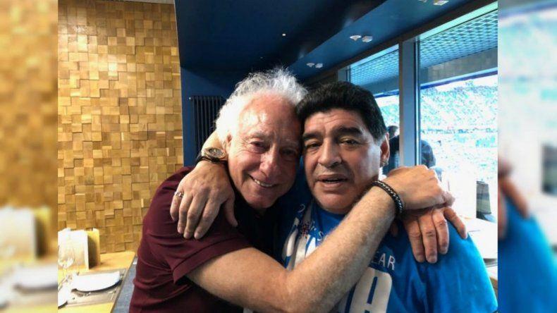 Abrazo Mundial: Diego Maradona y Guillermo Coppola se reconciliaron