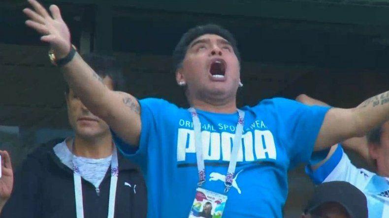 Maradona enloqueció tras el gol de Messi y explotaron los memes