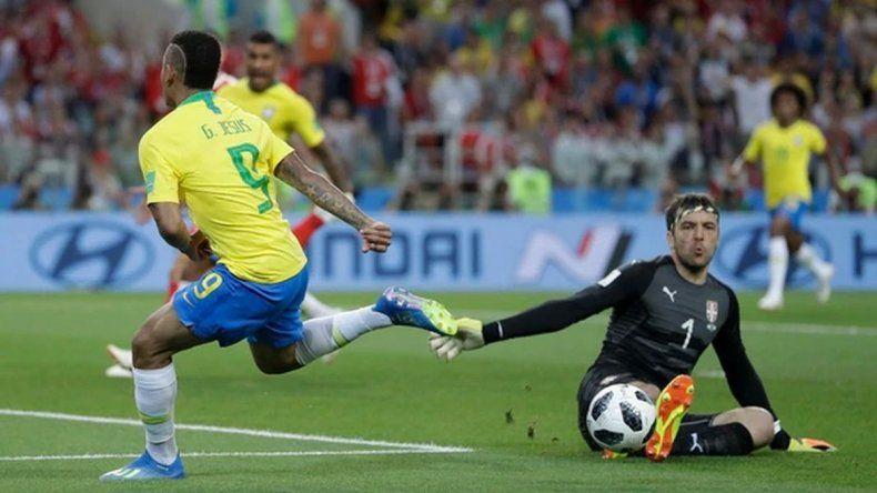 Brasil ganó y terminó como líder de grupo