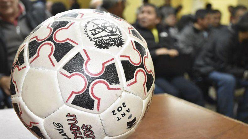 Son 132 las pelotas que entregará la Asociación de Fútbol Senior de Comodoro Rivadavia.