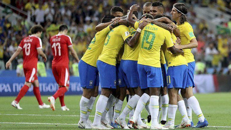 Brasil ganó con autoridad en Moscú.