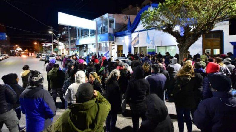Manifestantes denuncian nuevos incidentes luego de un reclamo a Massoni
