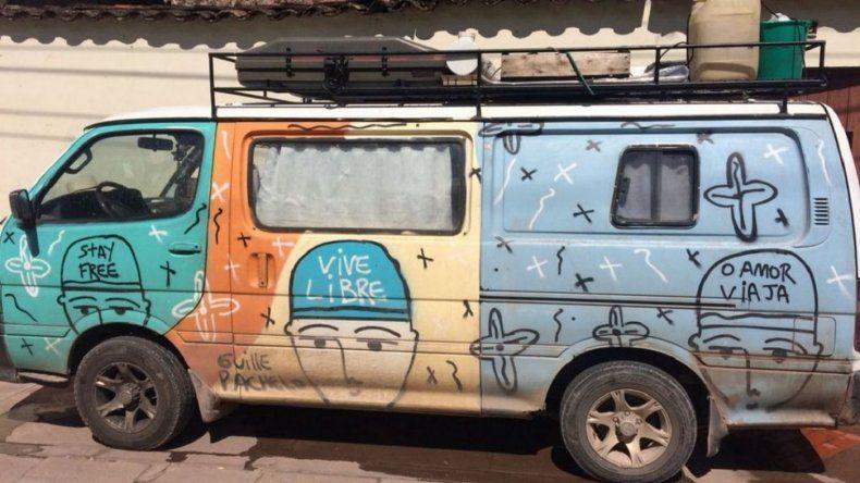 Le robaron la camioneta a una pareja argentina que emprendió una travesía hasta Alaska