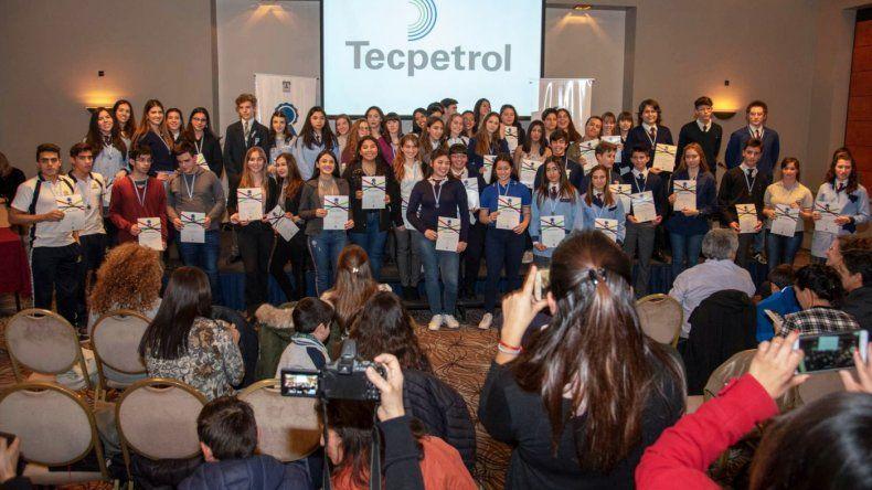 Tecpetrol otorgó 59 Becas al Mérito en Comodoro Rivadavia y Rada Tilly