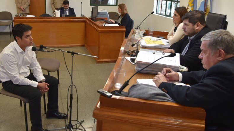 El subcomisario Alberto Méndez Miranda proclamó ante los jueces su inocencia por la muerte de Gustavo Geréz Bravo.