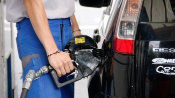 Las naftas subirían un 5% en lugar del 3% que el Gobierno había pactado con petroleras