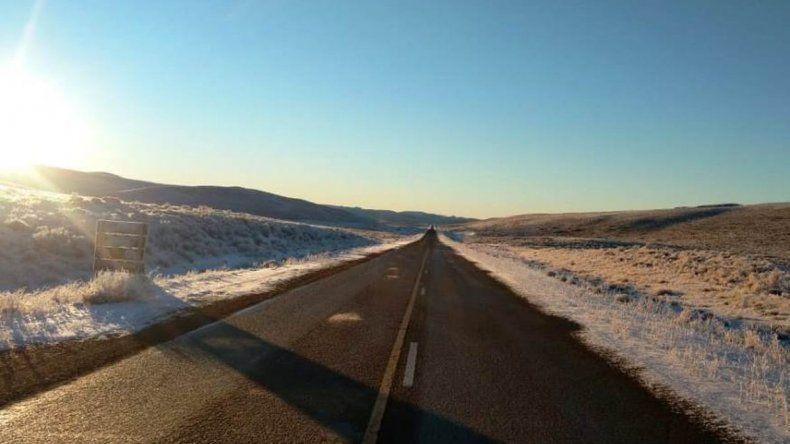 Rutas con hielo: piden transitar con extrema precaución