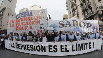 Paro nacional docente y movilización por el conflicto en Chubut