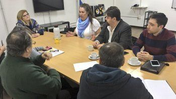 La comisión de Asuntos Constitucionales del Concejo se reunió con Daniela Andrade, responsable de la Dirección de Diversidad.