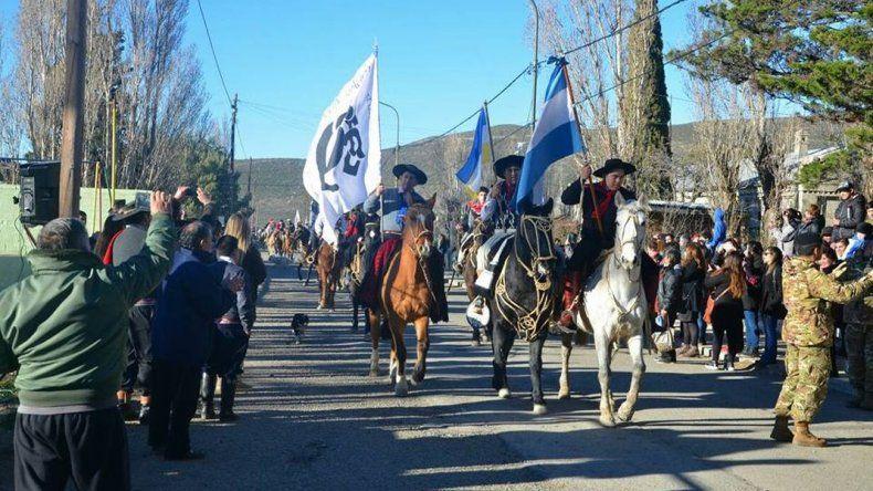 Diadema invita a su tradicional desfile cívico militar