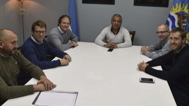 Las tensas relaciones entre el jefe comunal de Cañadón Seco