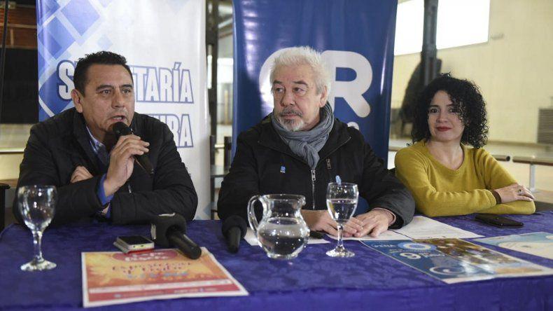 Autoridades municipales durante el anuncio de las actividades por el Día de la Independencia.