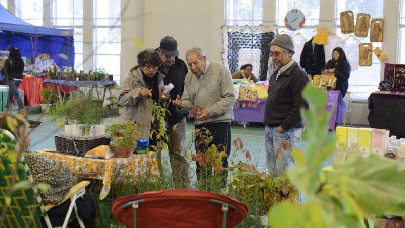Se viene la Feria de artesanos y productores en el Club Huergo