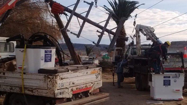 Un camión chocó a un transformador y dejó cuatro barrios sin luz