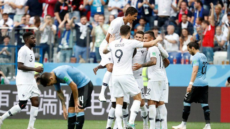 Francia festeja y Uruguay se resigna.