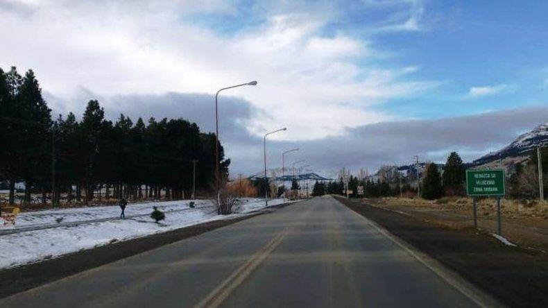 Ruta 40 con acumulación de nieve