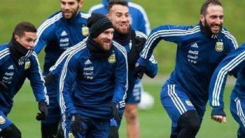 Mario Kempes no quiere más a Messi