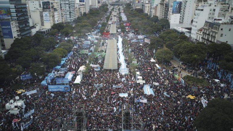 Una multitud contra el ajuste y el FMI