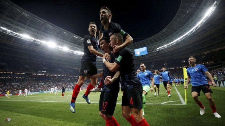 Croacia dio el golpe contra Inglaterra e irá por el título ante Francia.