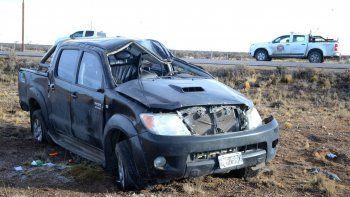 Uno de los vuelcos de camionetas se produjo en el trayecto de la Ruta 12 que va desde Cañadón Seco a Pico Truncado.