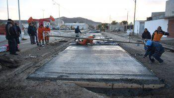 En el barrio Juan XXIII se reconstruye la trama vial destruida por el temporal.