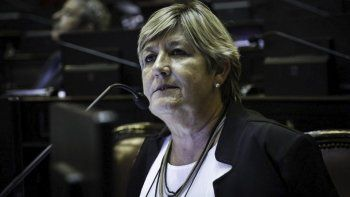 Una senadora chubutense le pide a Macri cambiar el camino del ajuste