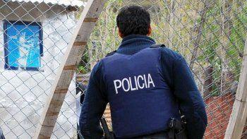 Denuncian a policía de Gaiman por amenazar de muerte a un grupo de jóvenes
