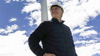 Macri en el Parque Eólico de Rawson. Lo visitó el 2 de enero de este año, para lo cual debió interrumpir sus vacaciones en Villa La Angostura.
