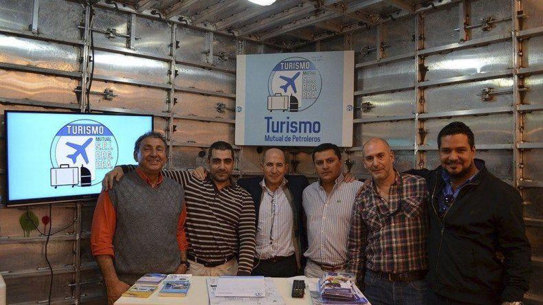 Petroleros Jerárquicos rubricó su primer convenio directo de turismo internacional