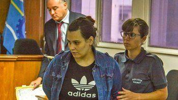 la condenaron a 25 anos por el crimen de una nena de 13 anos