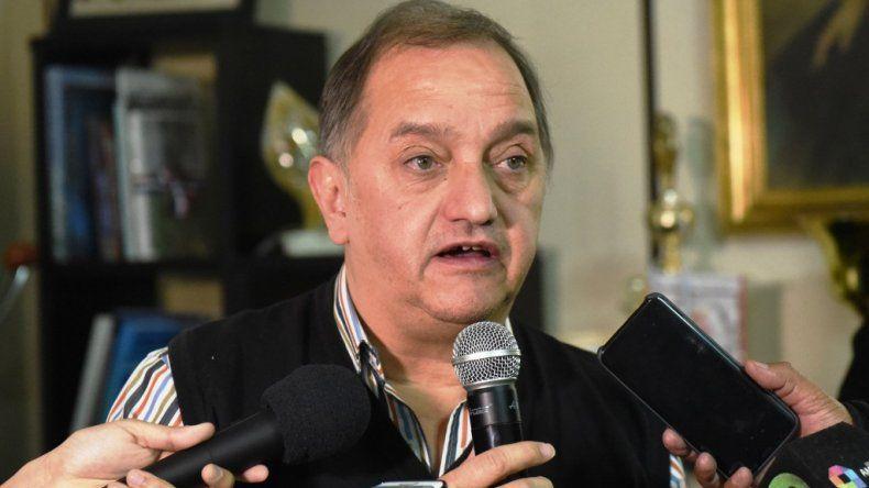 Linares volvió a criticar al gobernador