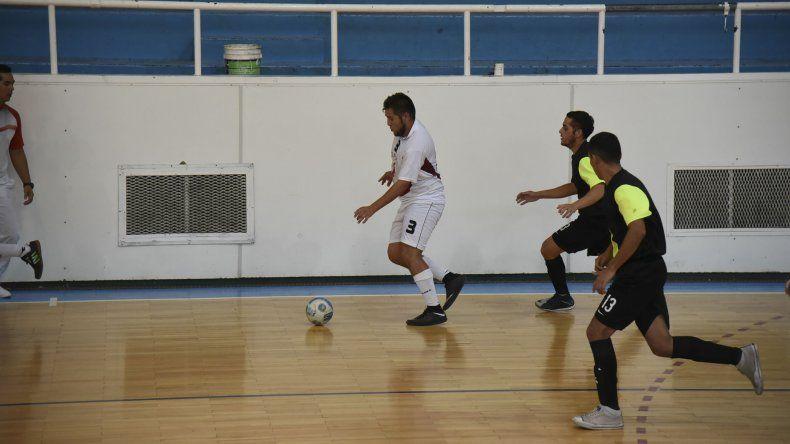 El torneo Apertura de futsal se aproxima a los cruces.