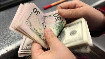 el dolar cerro con una suba de 16 centavos un dia despues de la licitacion de lebacs