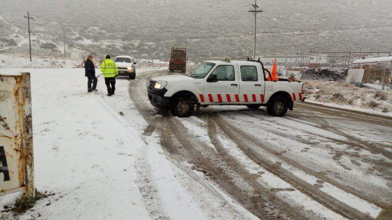 Por precaución estuvo cortada la circulación en el camino Roque González.