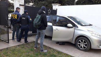 Uno de los cinco allanamientos que se realizaron en Mar del Plata por la causa iniciada en Comodoro Rivadavia.