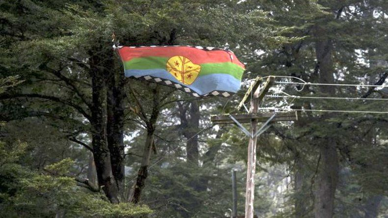 Antes de la llegada de Macri reprimen una comunidad mapuche en Bariloche